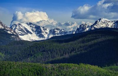 BUYERS' PARADISE: LAKE CREEK VALLEY IN EDWARDS,COLORADO